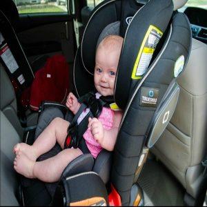 استفاده از صندلی ماشین برای کودک